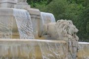 detail-fontaine-place-saint-sulpice-paris